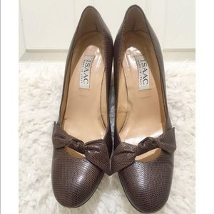 ISAAC Leather Pumps